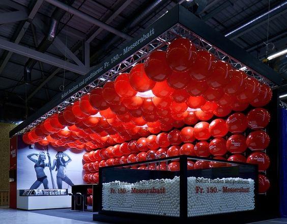 stand fieristici con palloncini