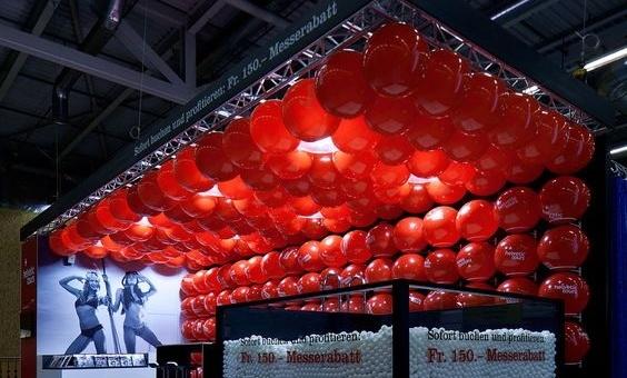 Inaugurazione per evento fieristico con palloncini