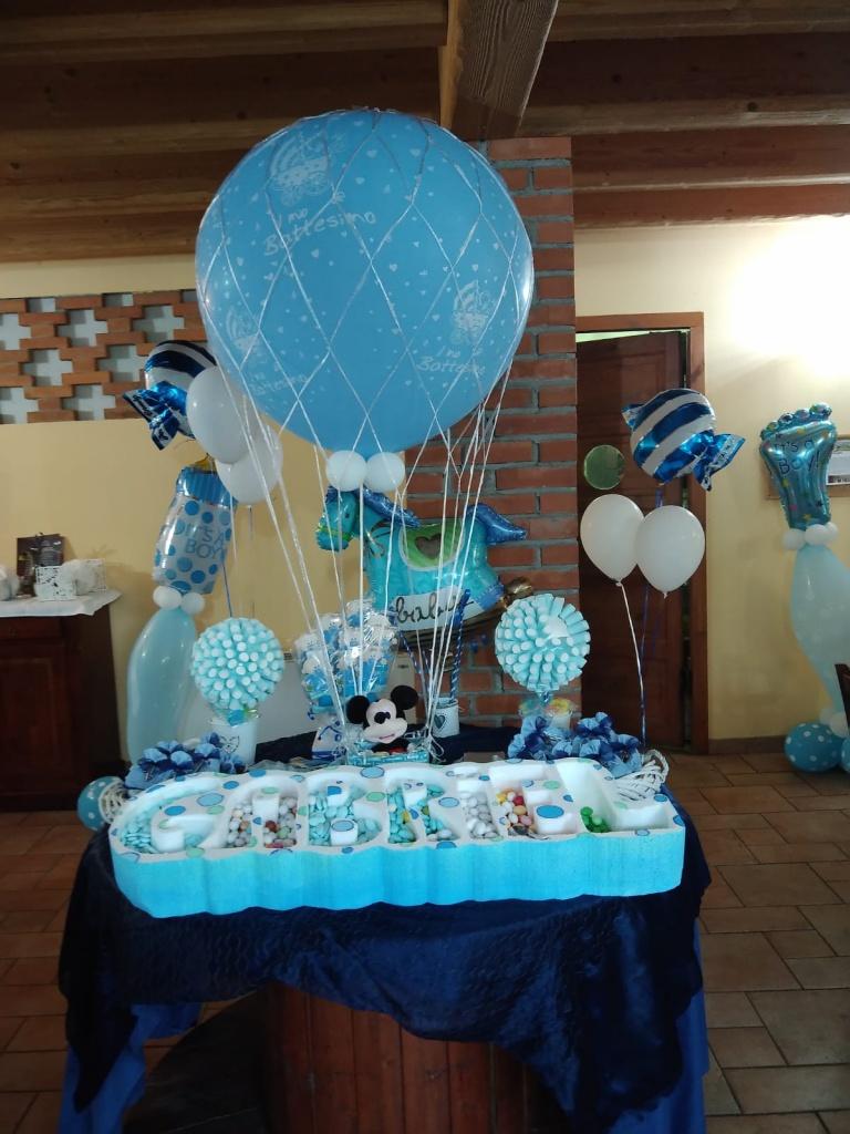 Allestimento battesimo con palloncini lecco