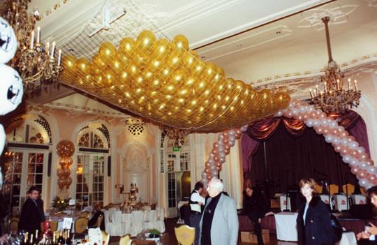 Cascate di palloncini genova