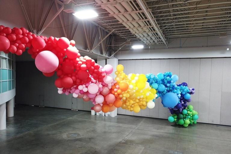 Allestimenti scenografie personalizzate con palloncini