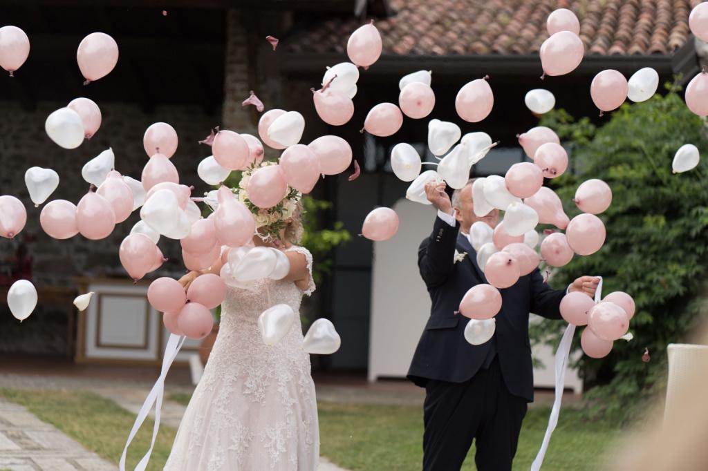 Allestimento palloncini per sposa